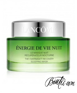 Un concentrato di energia per la notte, per una pelle alleviata dai segni della fatica, visibilmente più fresca, riposata, luminosa.